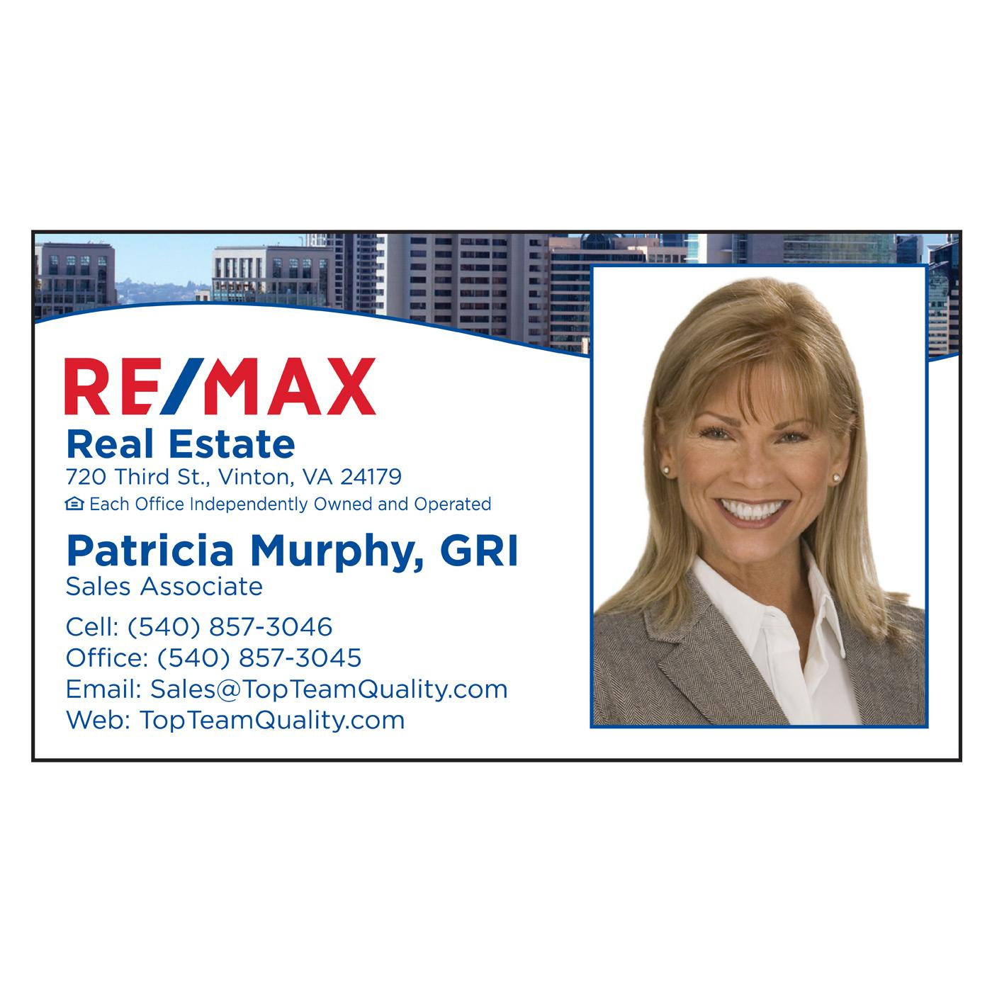 RE/MAX business card city skyline